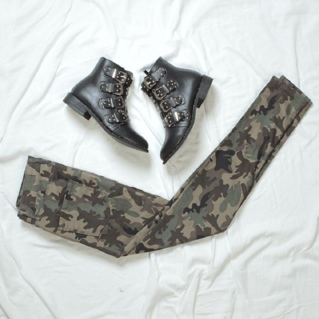 Styl militarny: gotowe zestawy