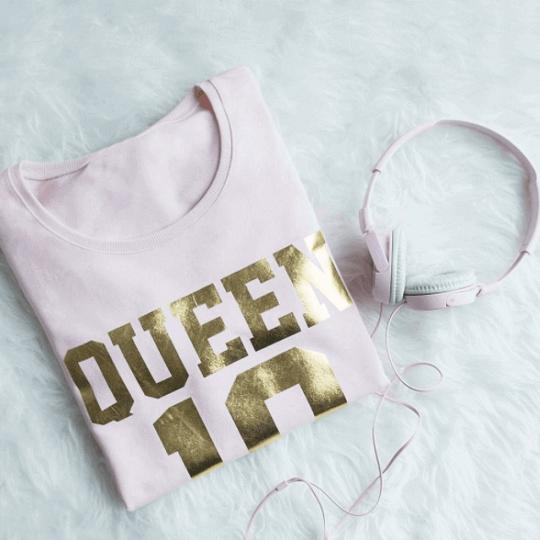 Damskie bluzy z napisami: nowe modele