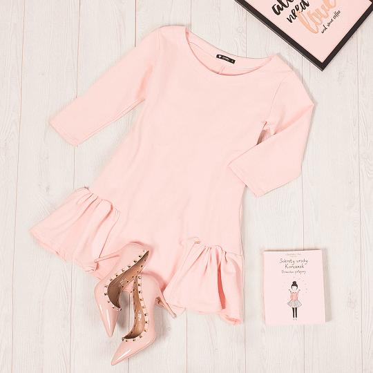 Pastelowy róż – odkryj modne ubrania