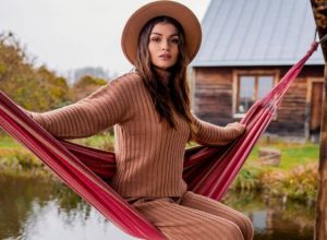 Modne swetry na jesień – przegląd najnowszych trendów